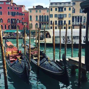 Shared gondola cruise photo