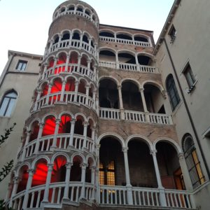 staircase-bovolo-venise-tower