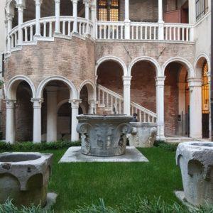 bovolo-tower-venice-entrance