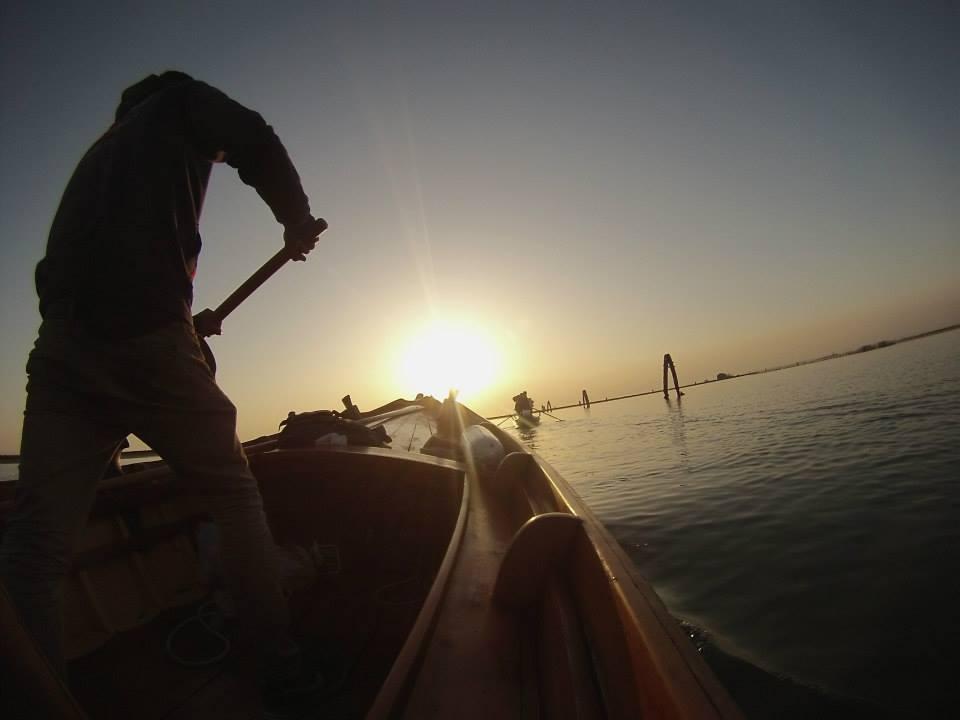 rowing.boat.venice.jpg