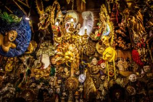 Venice carnival outfits 24h rental photo