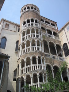 Bovlo staircase venice photo