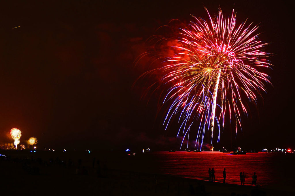 Beach on Fire: cruise to Venice and fireworks show!