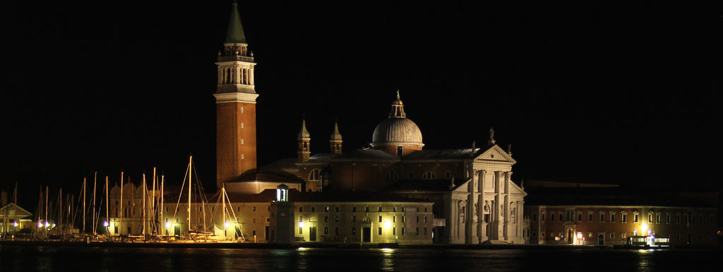 Ghost tours in Venice: a nighttime walk filled with ghostly legends. Every Tuesday at 8.30 pm