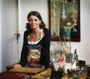 Murano Glass Jewellery: Workshop with a Glass Artist in Venice Italy