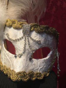 painting mask venice photo