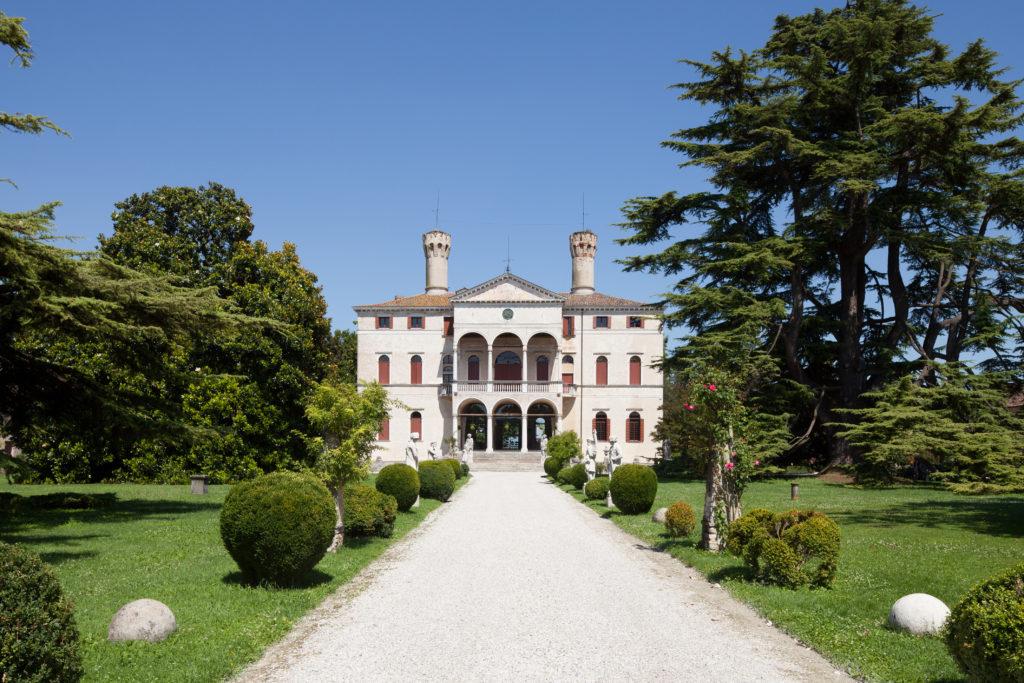 Wine tastings near Venice: discover Castello di Roncade