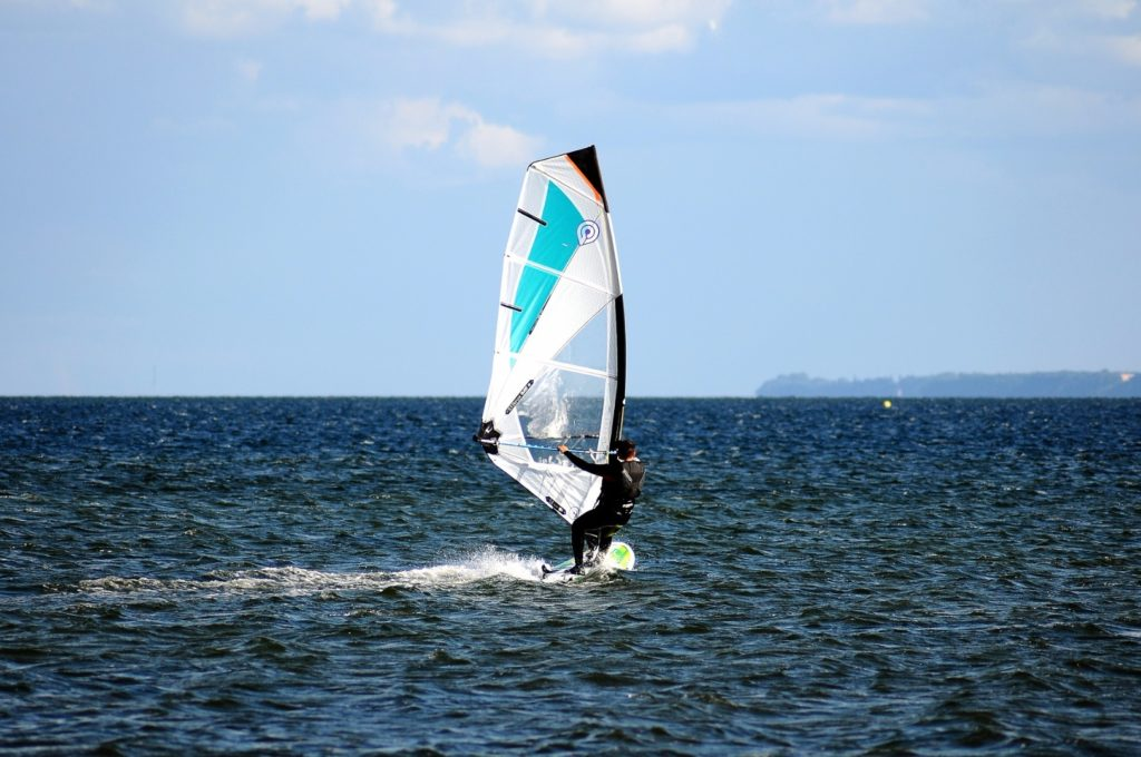 Windsurf in Jesolo : how to windsurf in few days !