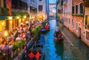 night gondola photo